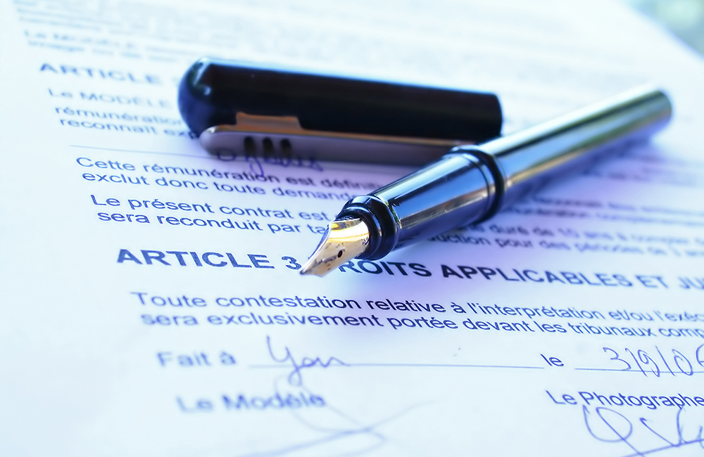 stylo et contrat